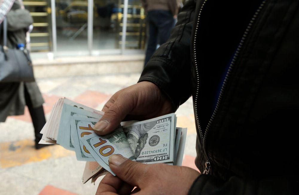 دلار یک