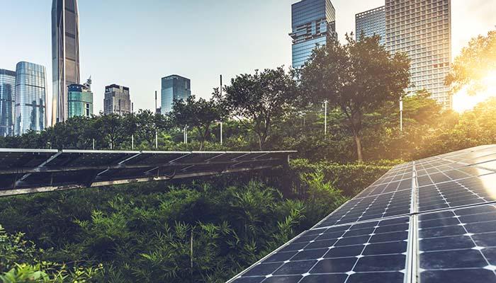 net-zero-decarbonisation-city-green