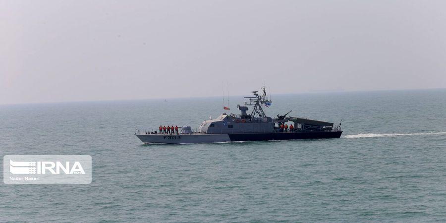 نجات 6 ملوان در خلیج فارس از مرگ حتمی