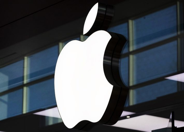 شکایت از اپل به دلیل عرضه برنامه های قمار در App Store