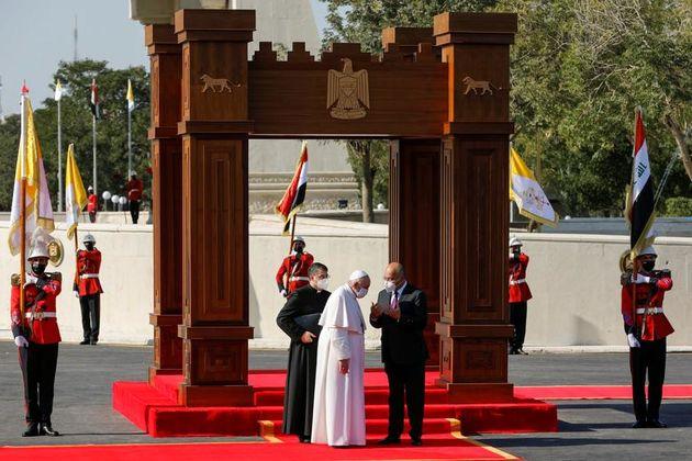 رئیس_جمهور_عراق_،_برهم_صالح_در_هنگام_استقبال_در_کاخ_ریاست_جمهوری