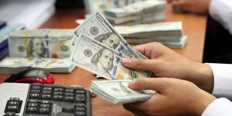 نوسان قیمت دلار روی موج شایعات