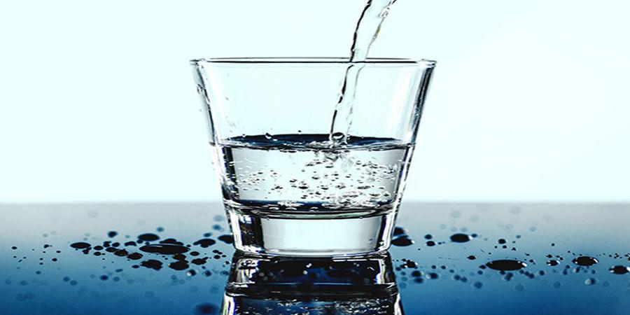 خواص معجزه آسای نوشیدن آب گرم ناشتا؛ از سم زدایی تاکاهش وزن