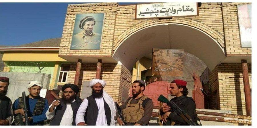قرار عاشقانه یک جنگجوی طالبان در کابل جنجال به پا کرد+ عکس