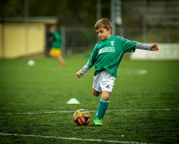 فوتبال بازی