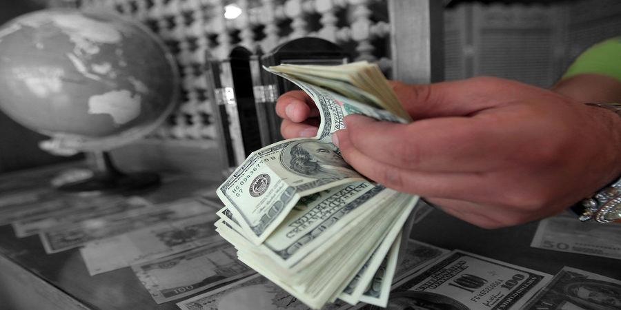 روزگار نوسان گیری در بازار ارز/  تغییر حرکت قیمت دلار