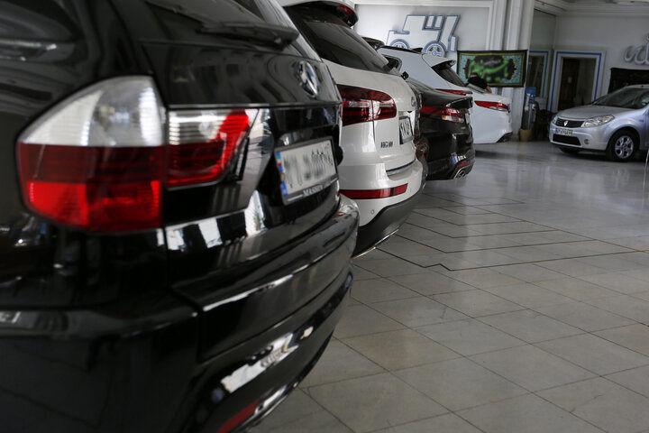 وضعیت بازار خودرو در هفته سوم مردادماه/رشد آرام قیمتها در بازار راکد