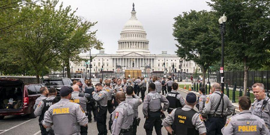 آماده باش پلیس کنگره و ماموران امنیتی برای مقابله با تجمع هواداران ترامپ