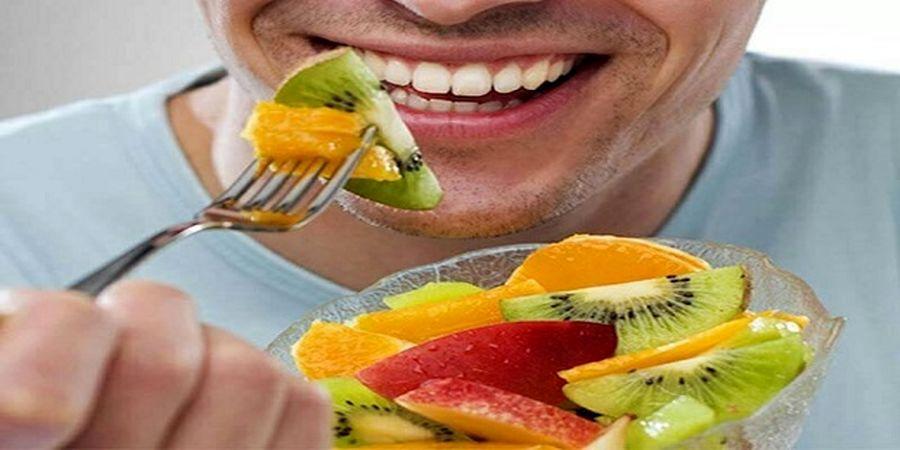 میوه خوردن در این ساعت روز را کنار بگذارید