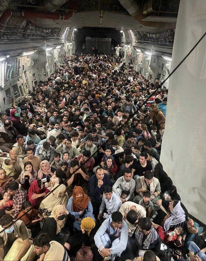 تصویر جدید از داخل هواپیمای مرگ که از فرودگاه کابل پرید