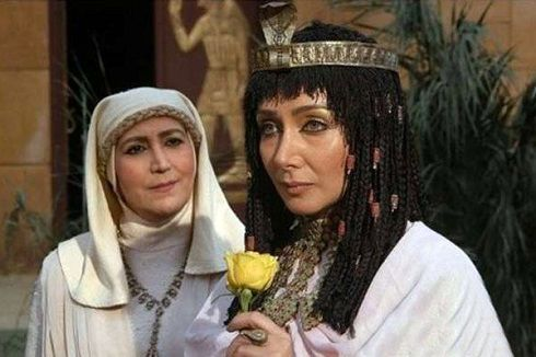 کتایون ریاحی در نقش زلیخا در یوسف پیامبر