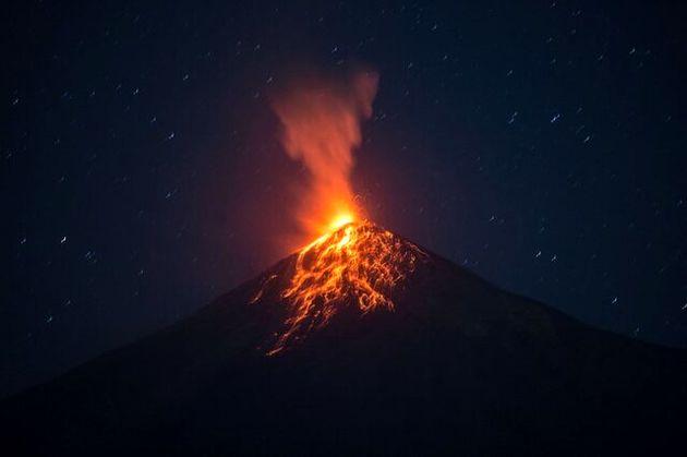 نمایی_از_فوران_آتشفشان_«فوئگو»_گواتمالا