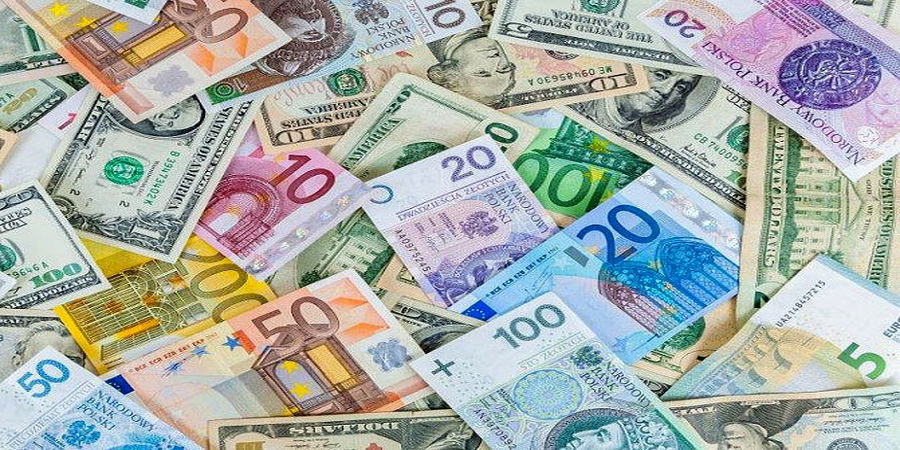 ارز 30 هزار تومانی در بازار آزاد