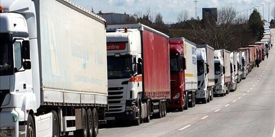 باکو 2 راننده کامیون ایرانی را آزاد کرد