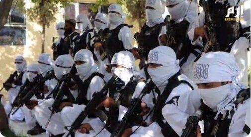 اولین رژه طالبان با سلاحهای آمریکایی!/عکس