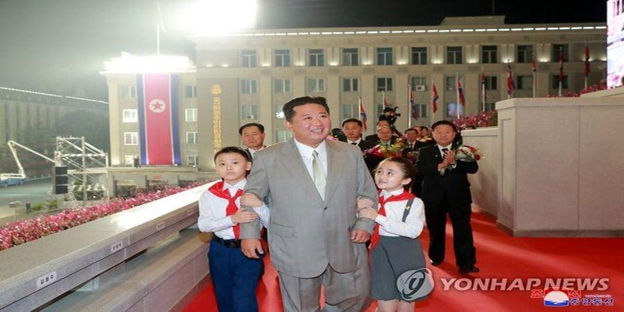 تصویری از رهبر کره شمالی در جشن هفتاد و ششمین سالروز حزب کارگران