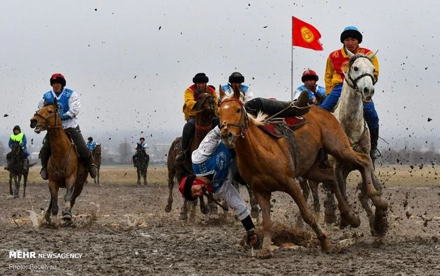 3733179_los-jinetes-kirguisos-practican-el___qhRwUYTB9j_1200x0__1