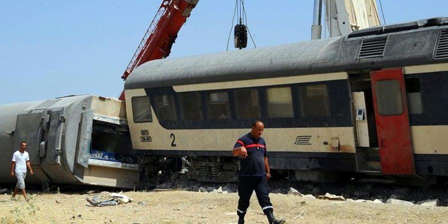 برخورد دو قطار  دست کم ۳۰ مجروح به جا گذاشت