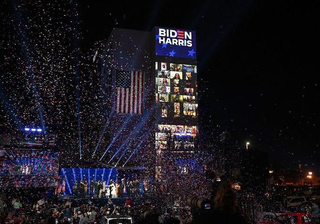 تصاویر| جشن پیروزی طرفداران بایدن در شهرهای مختلف