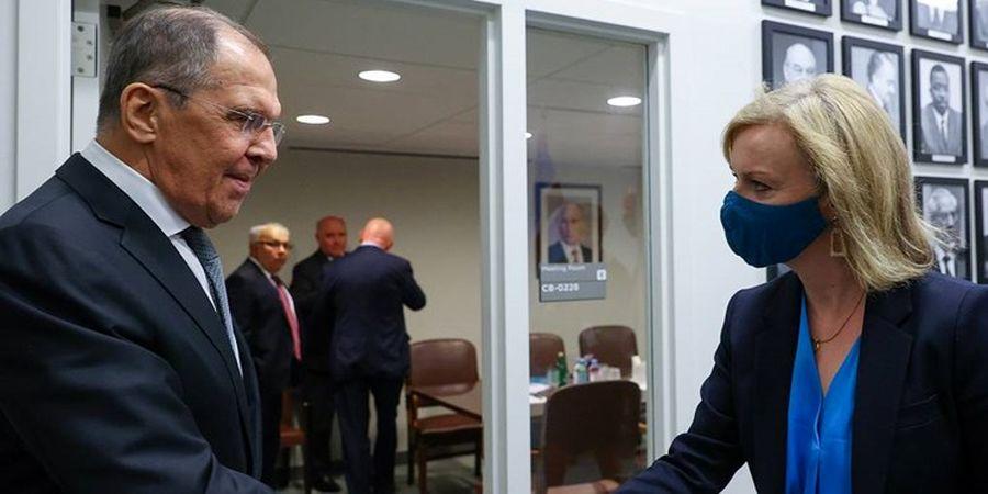 رایزنی وزرای خارجه انگلیس و روسیه درباره ایران