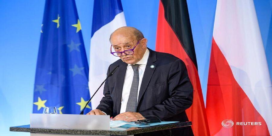 فرانسه: بایدن هم مانند ترامپ از پشت خنجر میزند
