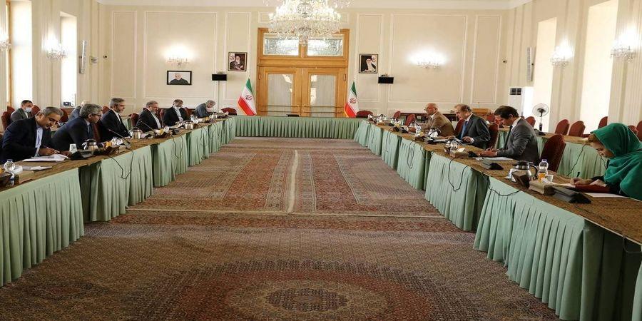 تصاویری از دیدار مهم علی باقری با انریکه مورا