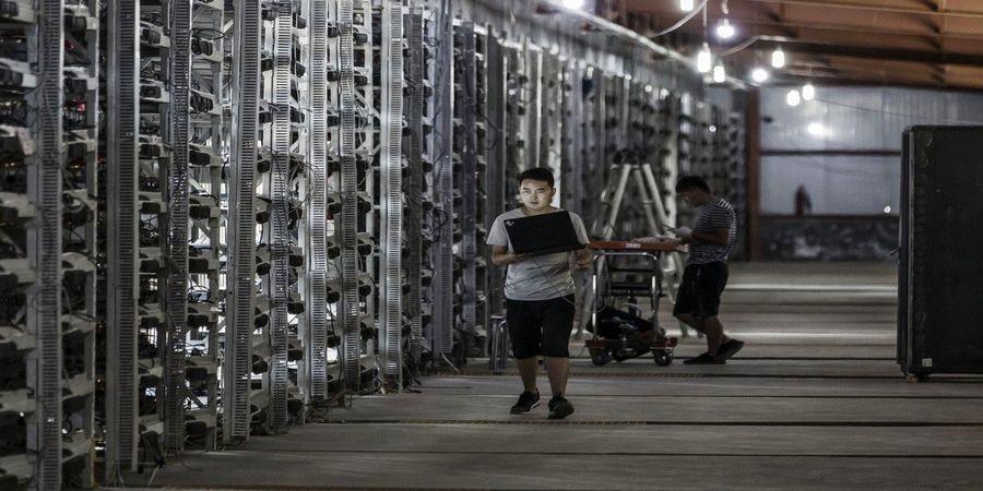 قیمت بیتکوین در آستانه گذر از مرز 57 هزار دلاری