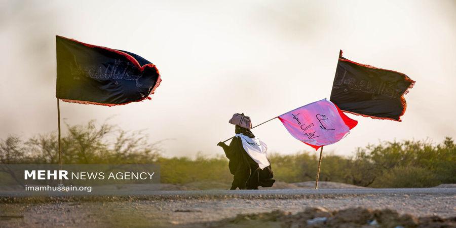 تصاویر| حرکت زائران اربعین به سمت کربلا