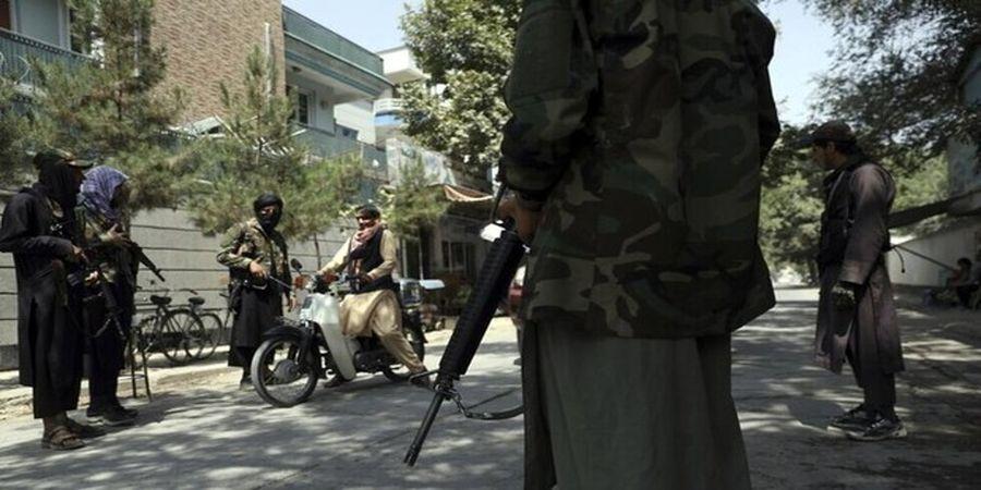 جزئیات حمله افراد ناشناس به مراسم ختم مادر سخنگوی گروه طالبان