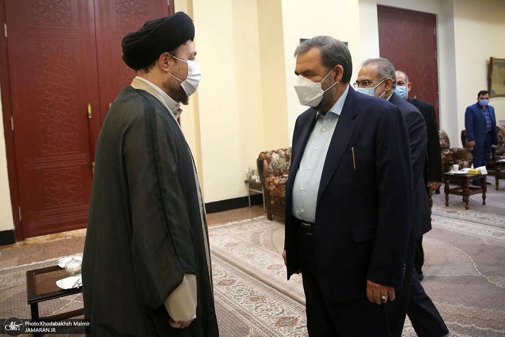 خوش و بش سیدحسن خمینی با وزرا و معاونان ابراهیم رئیسی+عکس