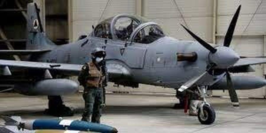 بلاتکلیفی 143 خلبان افغان که به تاجیکستان گریخته اند